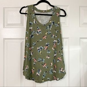 Maurices Green Floral Tank Size Large 24/7